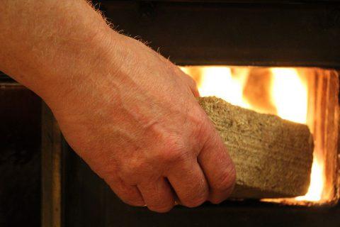 Allumage et combustible pour sa cheminée